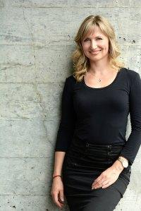 ottawa-glebe-phopgrapher-portrait-headshot-headshots-corporate-woman-female